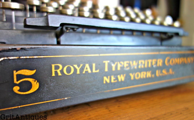 Vintage Royal Standard Typewriter