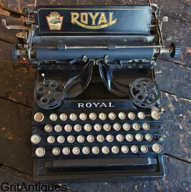 Royal Typewriter Company New York, U.S.A.