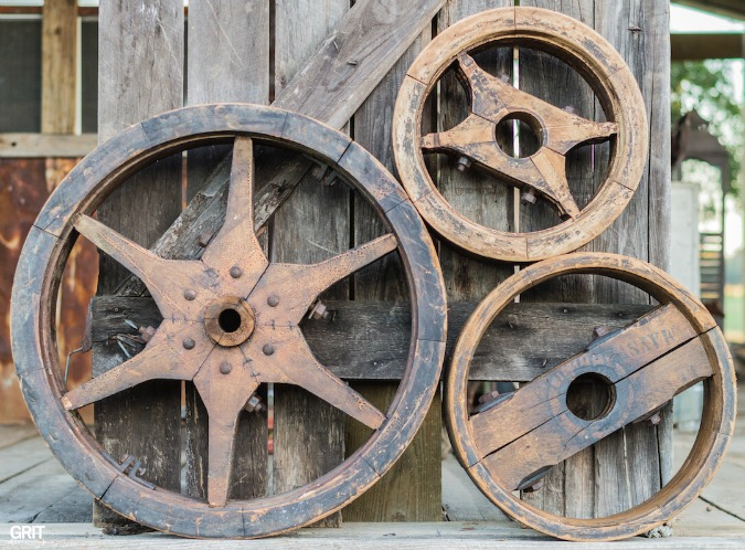 Antique Haul|Old Antique Wooden Pulley