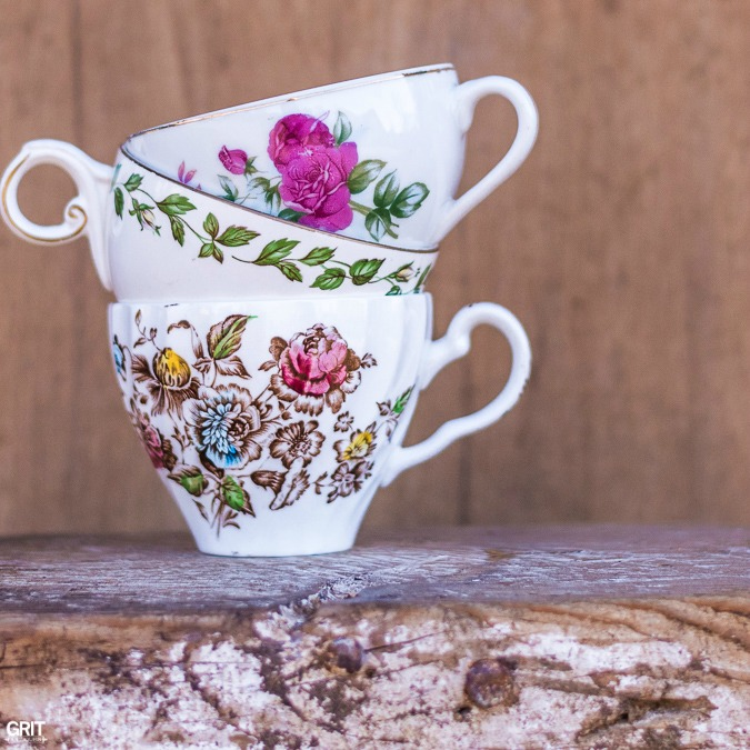 Vintage Tea Cup Garden using succulents.