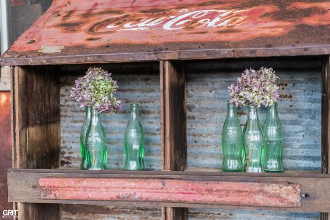 DIY Coca-Cola Planter|Vintage Cola bottles with dried hydrangea