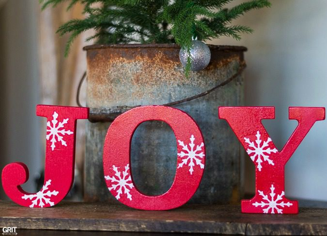 Simple Diy Christmas Joy Sign Using Inexpensive Wooden Letters From Target And Funky